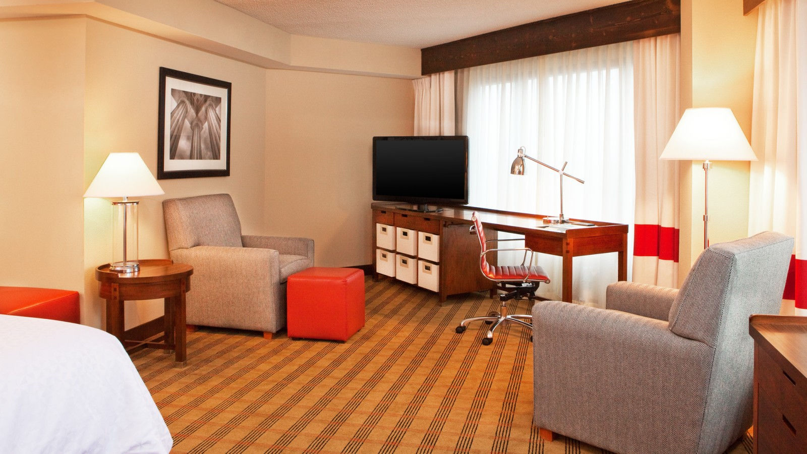 Brentwood Accommodations - Corner King Room