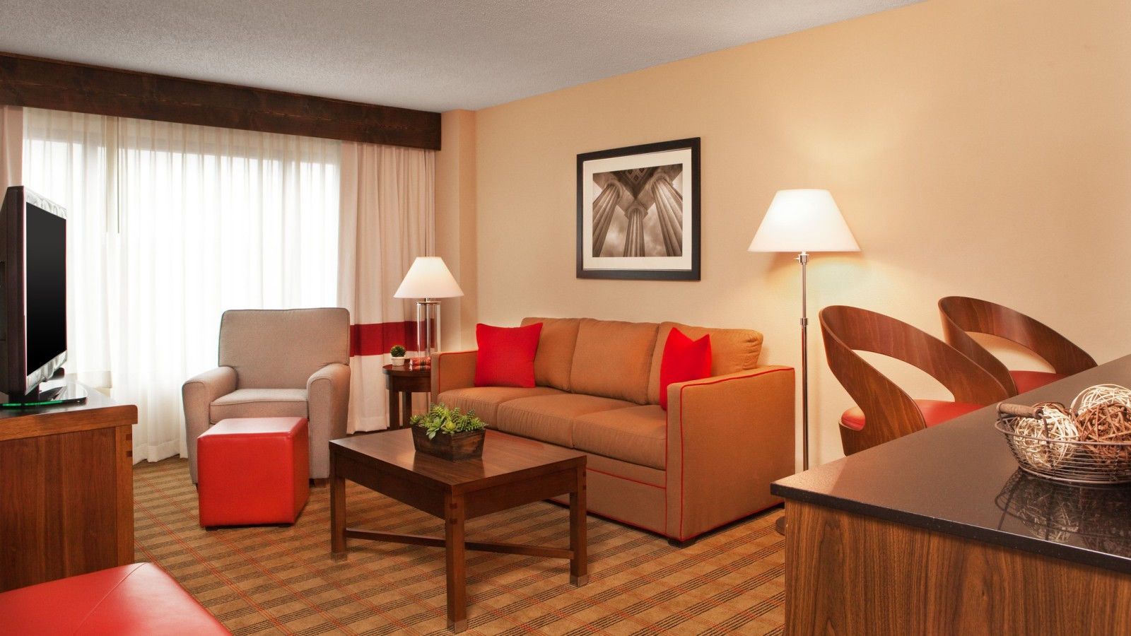 Brentwood Accommodations - Suite